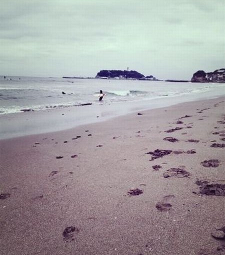 夏の終わりの海散歩